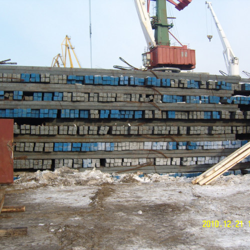 Transshipment of export metal products Amurmetall
